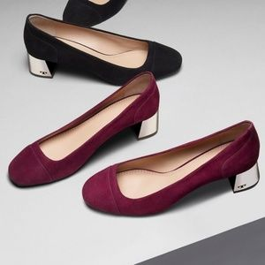 Tory Burch Suede Evelyn Pump in Port